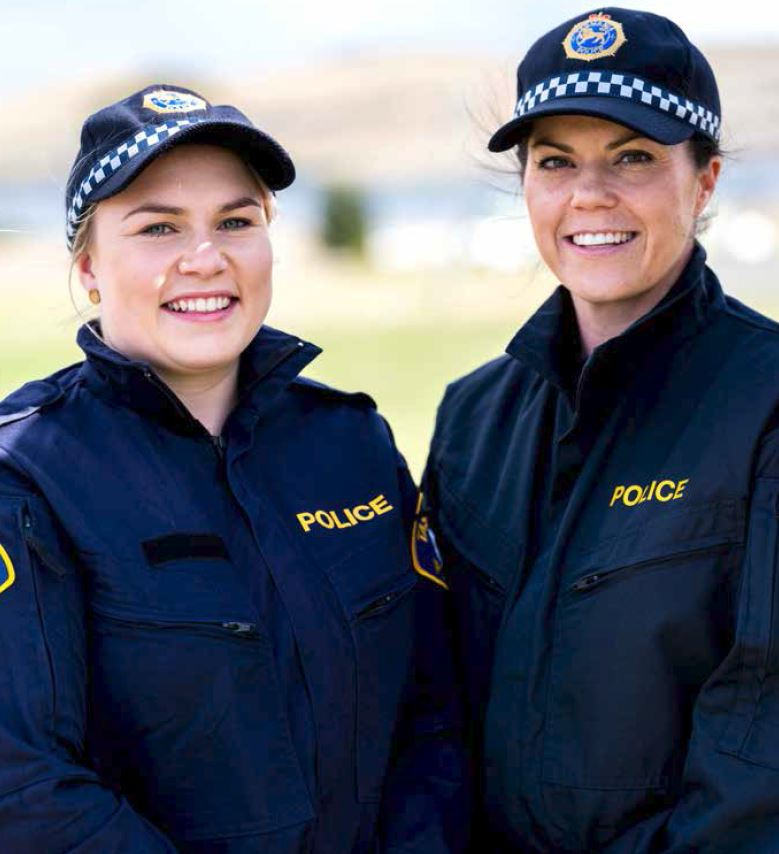 Constable Frances Bonde (left) and Senior Constable Megan Williams (right)